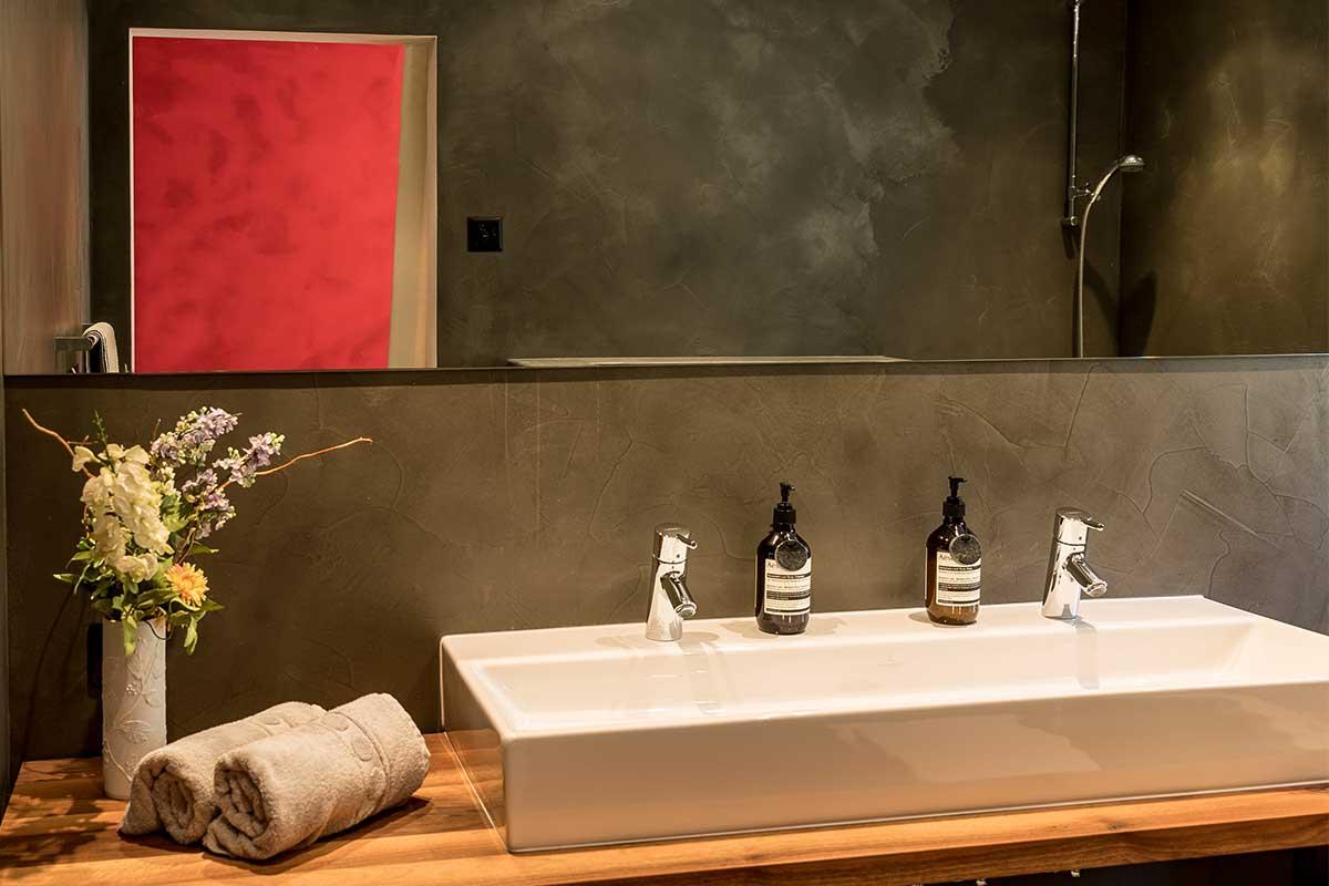 Badezimmer Ferienwohnung Vals